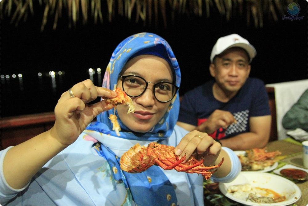 tour wisata raja ampat menu halal muslim friendly